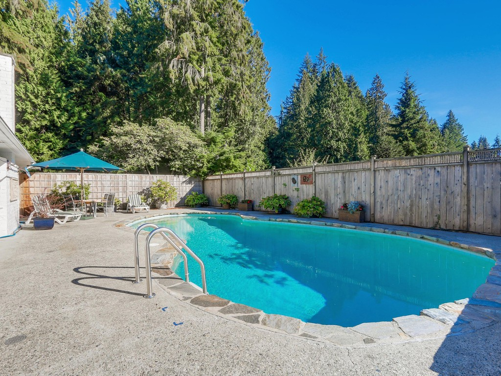 Photo 18: 314 MOYNE Drive in West Vancouver: British Properties House for sale : MLS(r) # R2107608