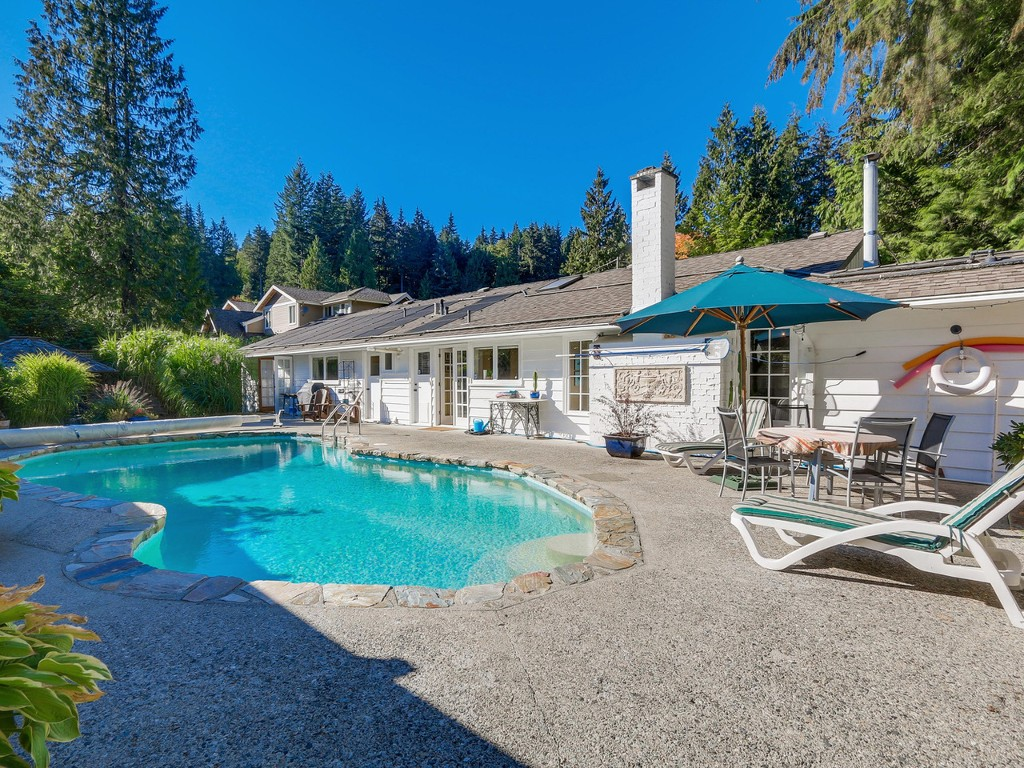 Main Photo: 314 MOYNE Drive in West Vancouver: British Properties House for sale : MLS® # R2107608