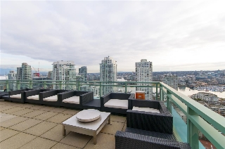 "Main Photo: 2301 212 DAVIE Street in Vancouver: Yaletown Condo for sale in ""PARKVIEW GARDENS"" (Vancouver West)  : MLS(r) # R2134795"