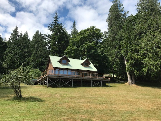 Main Photo: 226 HAIRY ELBOW Road in Sechelt: Sechelt District House for sale (Sunshine Coast)  : MLS® # R2137692