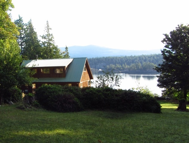 Photo 3: 226 HAIRY ELBOW Road in Sechelt: Sechelt District House for sale (Sunshine Coast)  : MLS(r) # R2137692
