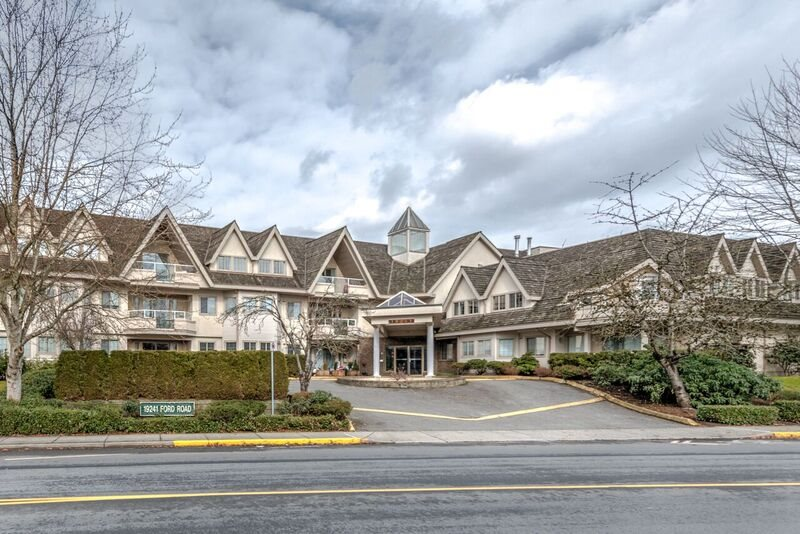 "Main Photo: 112 19241 FORD Road in Pitt Meadows: Central Meadows Condo for sale in ""Village Green"" : MLS®# R2141820"