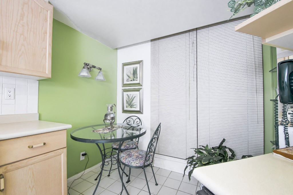 "Photo 14: 303 728 FARROW Street in Coquitlam: Coquitlam West Condo for sale in ""THE VICTORIA"" : MLS® # R2146505"