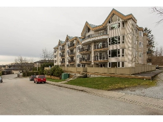 "Main Photo: 111 11595 FRASER Street in Maple Ridge: East Central Condo for sale in ""Brickwood Place"" : MLS(r) # R2146955"