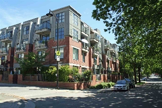 "Main Photo: 407 2688 VINE Street in Vancouver: Kitsilano Condo for sale in ""TREO"" (Vancouver West)  : MLS(r) # R2168405"
