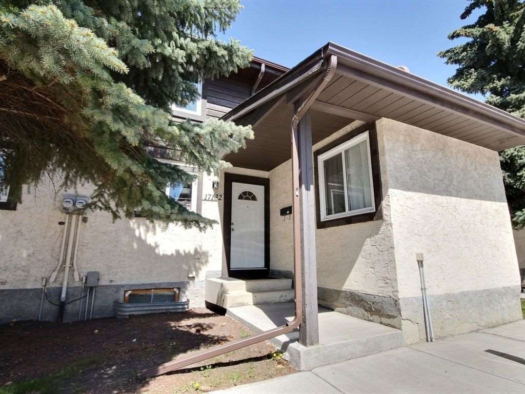 Main Photo: 17132 100 Street in Edmonton: Zone 27 Townhouse for sale : MLS(r) # E4067026