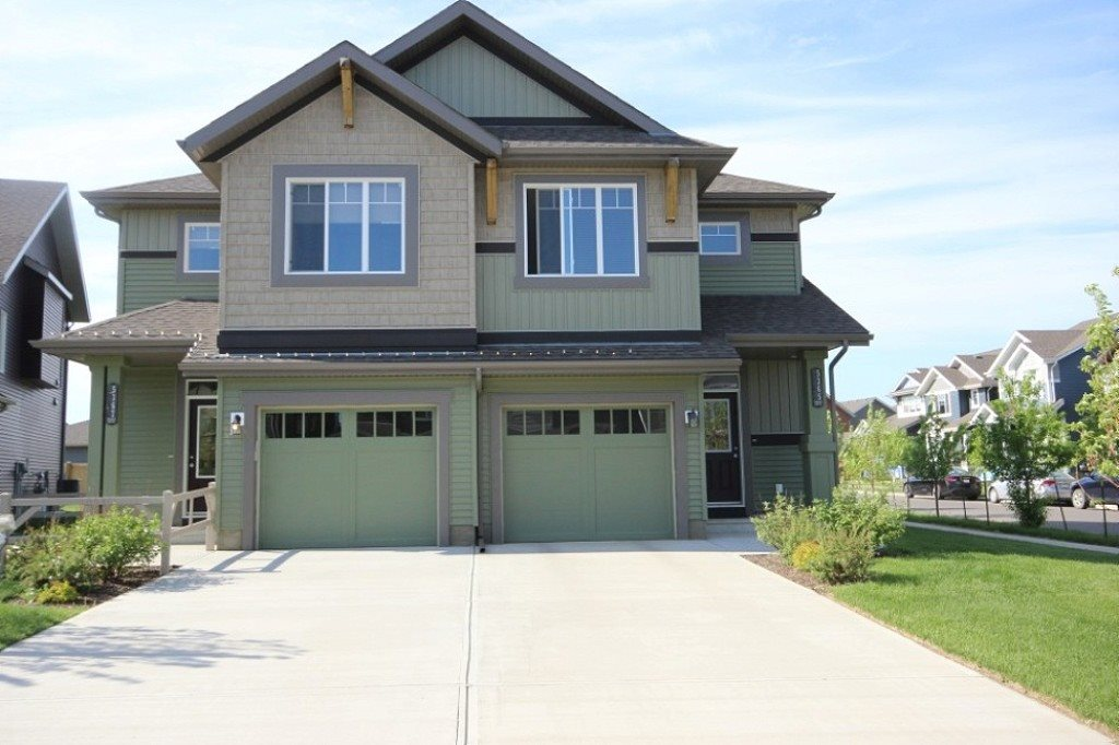 Main Photo: 5365 CRABAPPLE Loop in Edmonton: Zone 53 House Half Duplex for sale : MLS(r) # E4068363