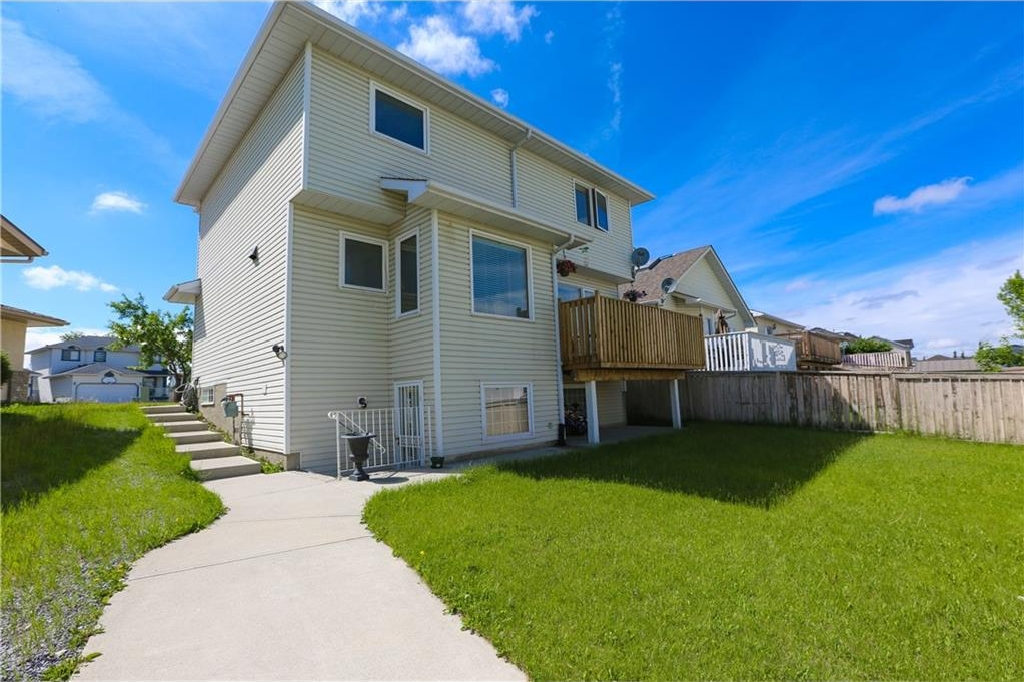 Photo 4: 117 CORAL KEYS Court NE in Calgary: Coral Springs House for sale : MLS(r) # C4122927