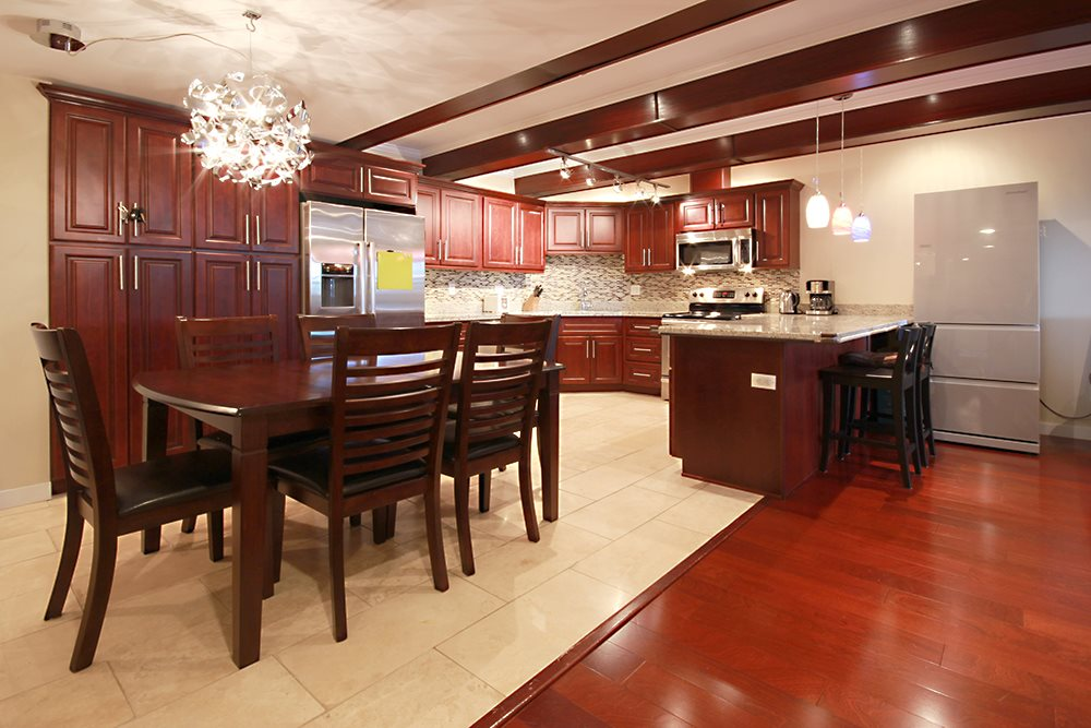 "Main Photo: 403 534 SIXTH Street in New Westminster: Uptown NW Condo for sale in ""BELMONT TOWERS"" : MLS(r) # R2180424"