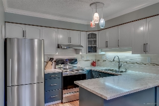 "Main Photo: 202 67 MINER Street in New Westminster: Fraserview NW Condo for sale in ""Fraserview"" : MLS® # R2196861"