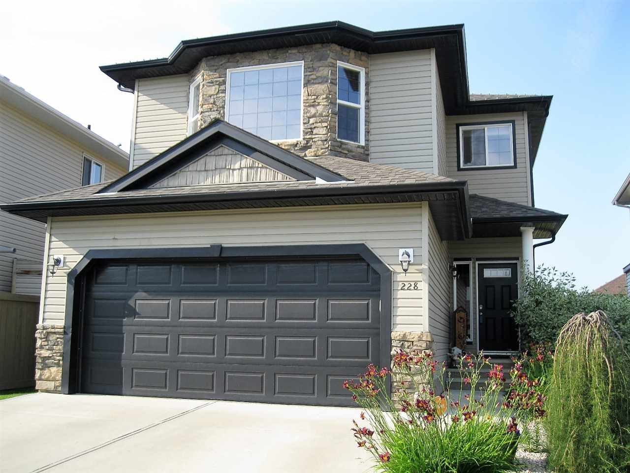 Main Photo: 228 Harvest Ridge Drive: Spruce Grove House for sale : MLS® # E4077944