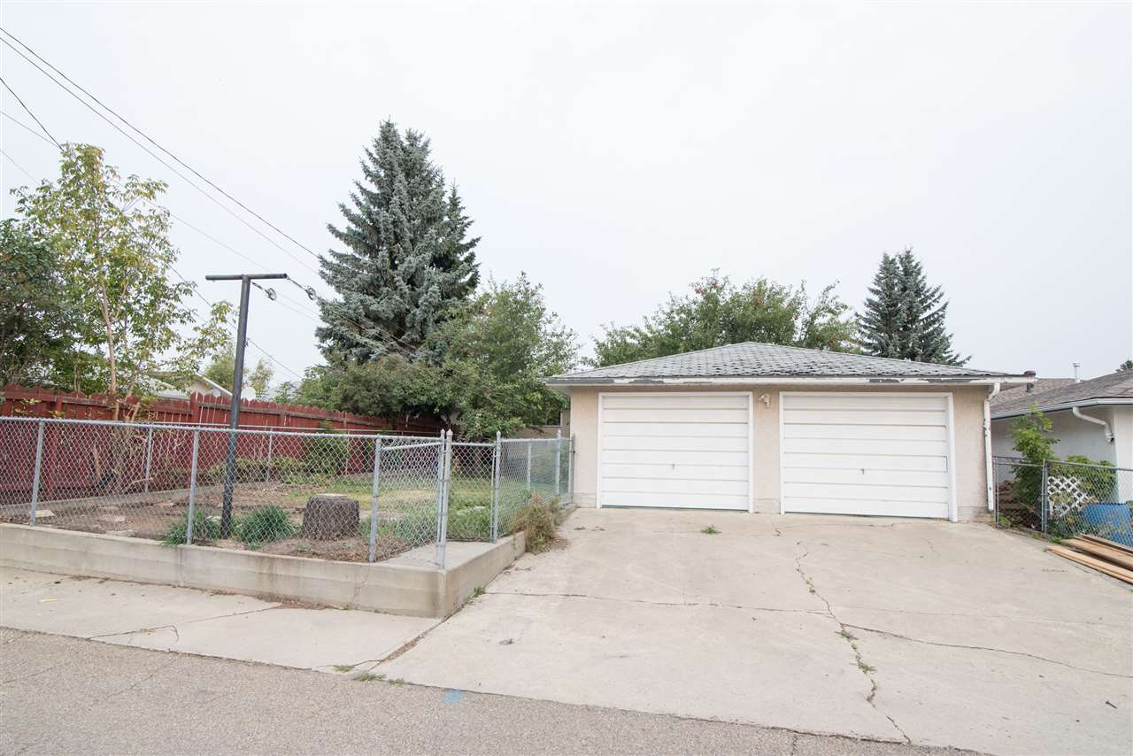 Photo 23:  in Edmonton: Zone 23 House for sale : MLS® # E4081833