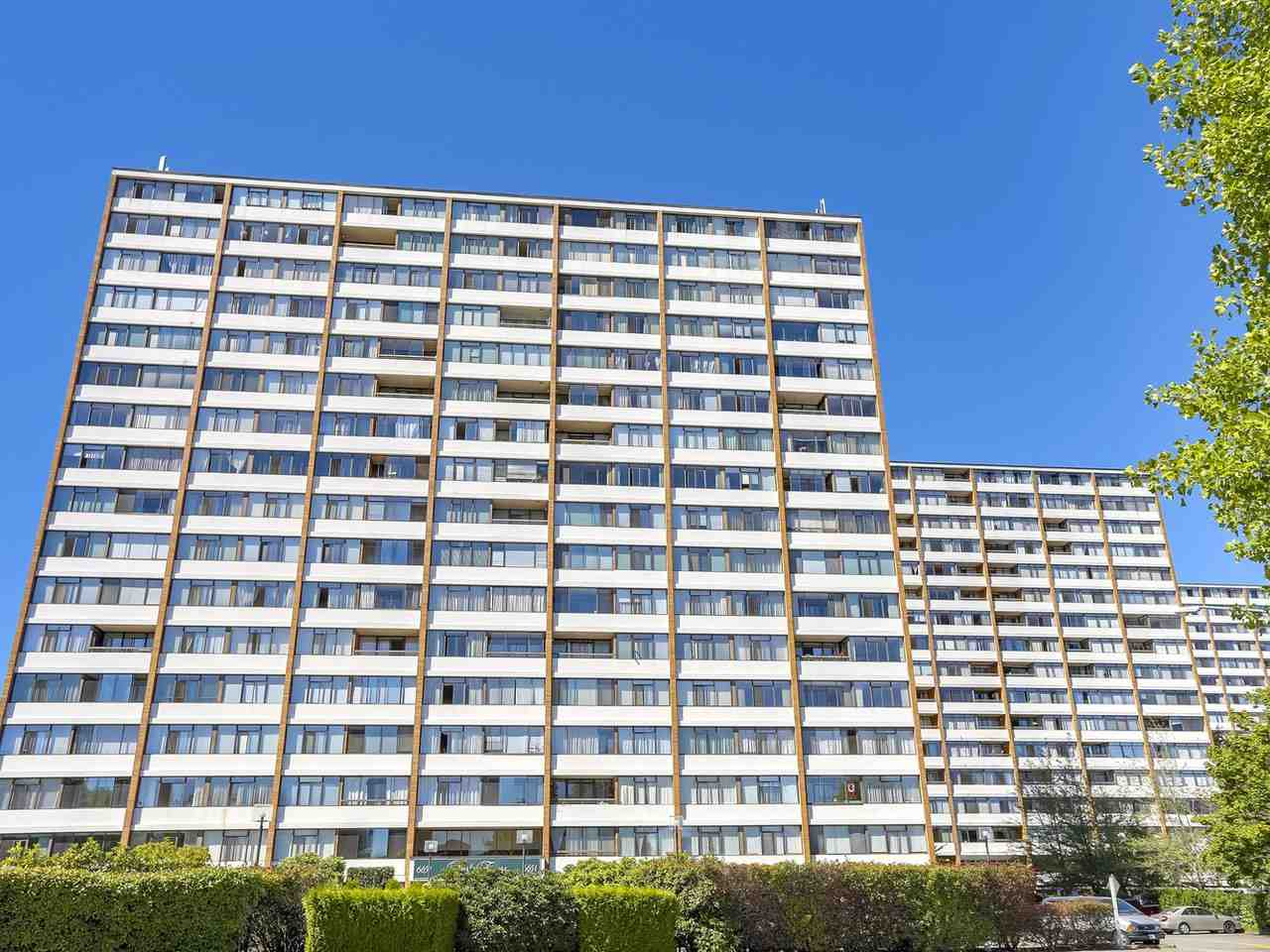 "Main Photo: 1608 6651 MINORU Boulevard in Richmond: Brighouse Condo for sale in ""REGENCY PARK TOWERS"" : MLS® # R2209522"