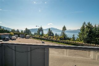 Main Photo: 2 350 CENTRE Road: Lions Bay Condo for sale (West Vancouver)  : MLS® # R2210761