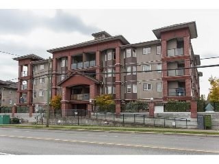 "Main Photo: 305 19730 56 Avenue in Langley: Langley City Condo for sale in ""MADISON PLACE"" : MLS® # R2214790"