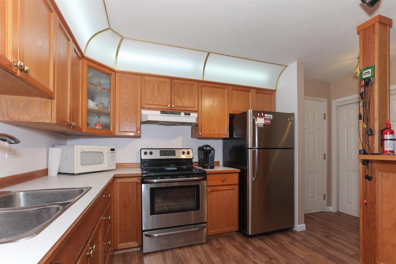 Main Photo: 101 68 RICHMOND STREET in New Westminster: Fraserview NW Condo for sale : MLS®# R2214459