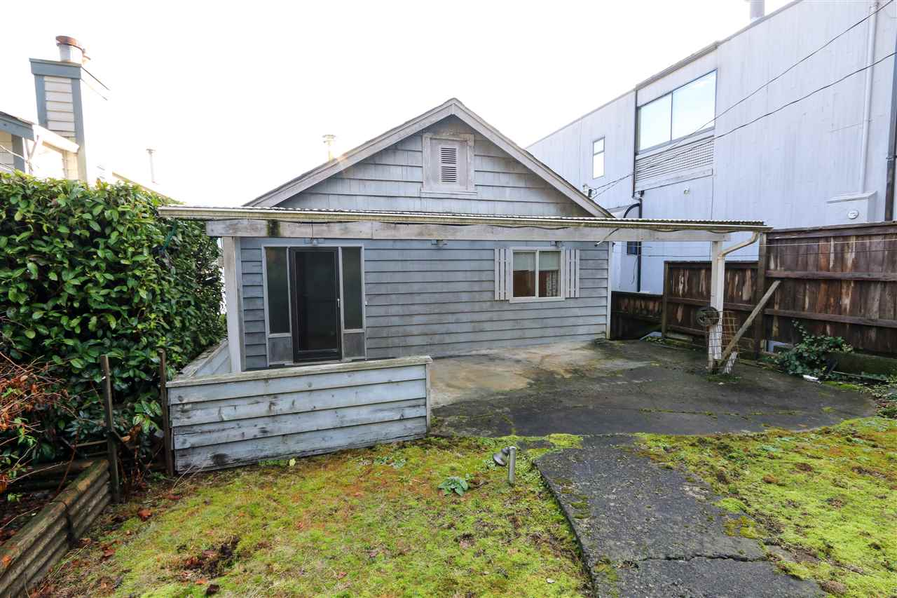 Photo 18: Photos: 2552 PANORAMA Drive in North Vancouver: Deep Cove House for sale : MLS® # R2232616