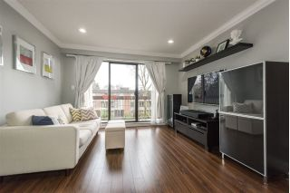 "Main Photo: 304 2121 W 6TH Avenue in Vancouver: Kitsilano Condo for sale in ""CONNAUGHT COURT"" (Vancouver West)  : MLS® # R2244511"