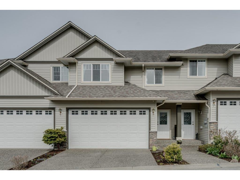 Main Photo: 155 46360 VALLEYVIEW Road in Sardis: Promontory Townhouse for sale : MLS®# R2254683