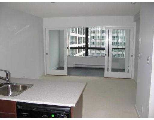 "Photo 3: 1614 938 SMITHE Street in Vancouver: Downtown VW Condo for sale in ""ELECTRIC AVENUE"" (Vancouver West)  : MLS(r) # V560273"