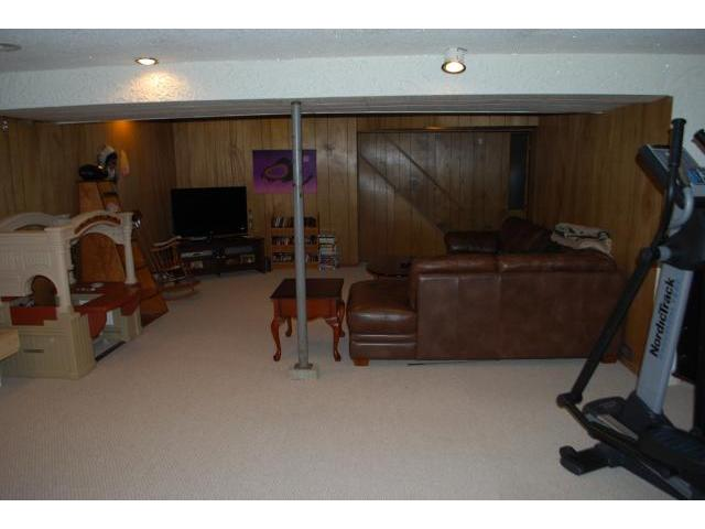 Photo 18: 611 GLENWAY Avenue in WINNIPEG: Birdshill Area Residential for sale (North East Winnipeg)  : MLS(r) # 1106124