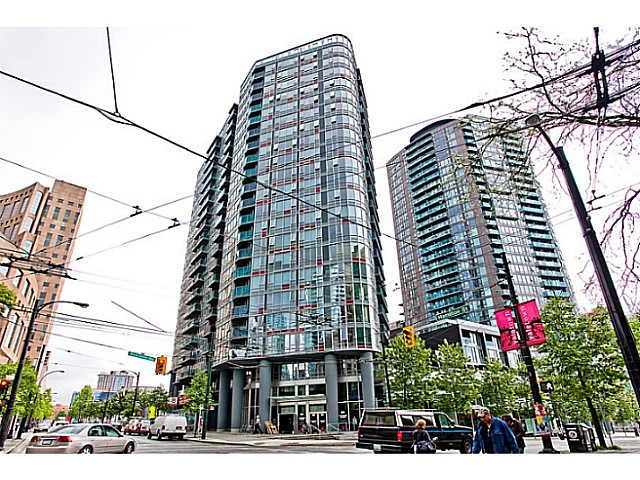 "Main Photo: 601 788 HAMILTON Street in Vancouver: Downtown VW Condo for sale in ""TV TOWER 1"" (Vancouver West)  : MLS® # V1035851"