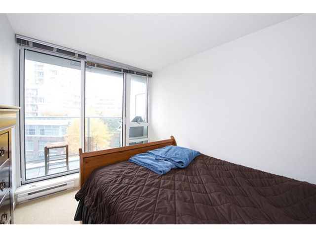 "Photo 6: 601 788 HAMILTON Street in Vancouver: Downtown VW Condo for sale in ""TV TOWER 1"" (Vancouver West)  : MLS(r) # V1035851"