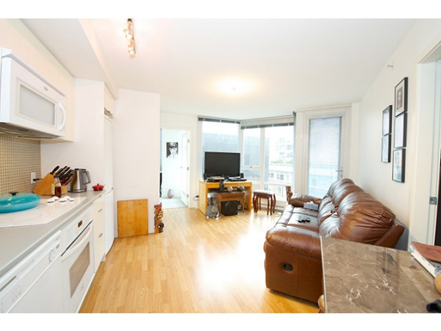"Photo 4: 601 788 HAMILTON Street in Vancouver: Downtown VW Condo for sale in ""TV TOWER 1"" (Vancouver West)  : MLS® # V1035851"