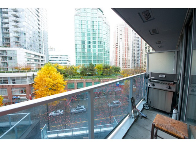 "Photo 5: 601 788 HAMILTON Street in Vancouver: Downtown VW Condo for sale in ""TV TOWER 1"" (Vancouver West)  : MLS® # V1035851"