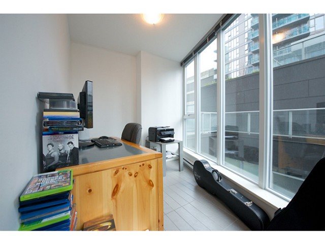 "Photo 7: 601 788 HAMILTON Street in Vancouver: Downtown VW Condo for sale in ""TV TOWER 1"" (Vancouver West)  : MLS® # V1035851"