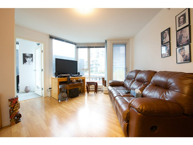 "Photo 2: 601 788 HAMILTON Street in Vancouver: Downtown VW Condo for sale in ""TV TOWER 1"" (Vancouver West)  : MLS® # V1035851"