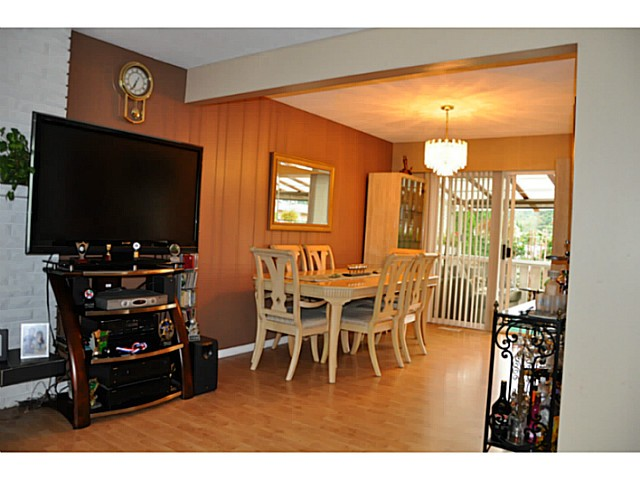 Photo 4: 3749 HAMILTON Street in Port Coquitlam: Lincoln Park PQ House for sale : MLS(r) # V1088203