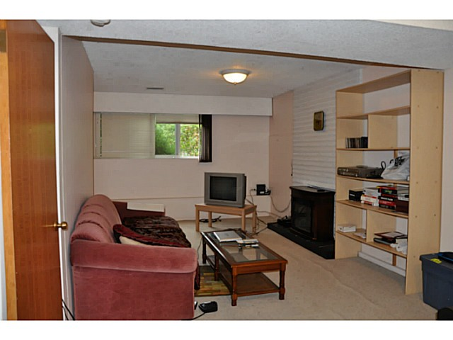 Photo 15: 3749 HAMILTON Street in Port Coquitlam: Lincoln Park PQ House for sale : MLS(r) # V1088203