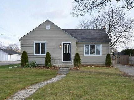 Main Photo: 37 S Church Street in Clarington: Orono House (Bungalow) for sale : MLS®# E3076063