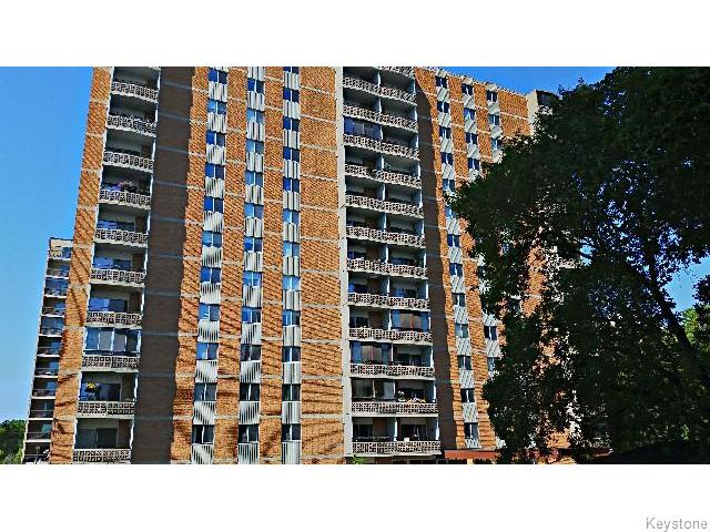 Photo 2: 230 Roslyn Road in Winnipeg: Fort Rouge / Crescentwood / Riverview Condominium for sale (South Winnipeg)  : MLS® # 1516818