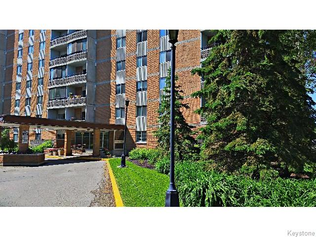 Photo 4: 230 Roslyn Road in Winnipeg: Fort Rouge / Crescentwood / Riverview Condominium for sale (South Winnipeg)  : MLS(r) # 1516818