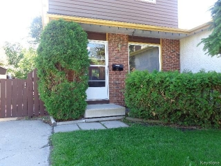 Main Photo: 15 SPARROW Road in WINNIPEG: Charleswood Residential for sale (South Winnipeg)  : MLS(r) # 1516919