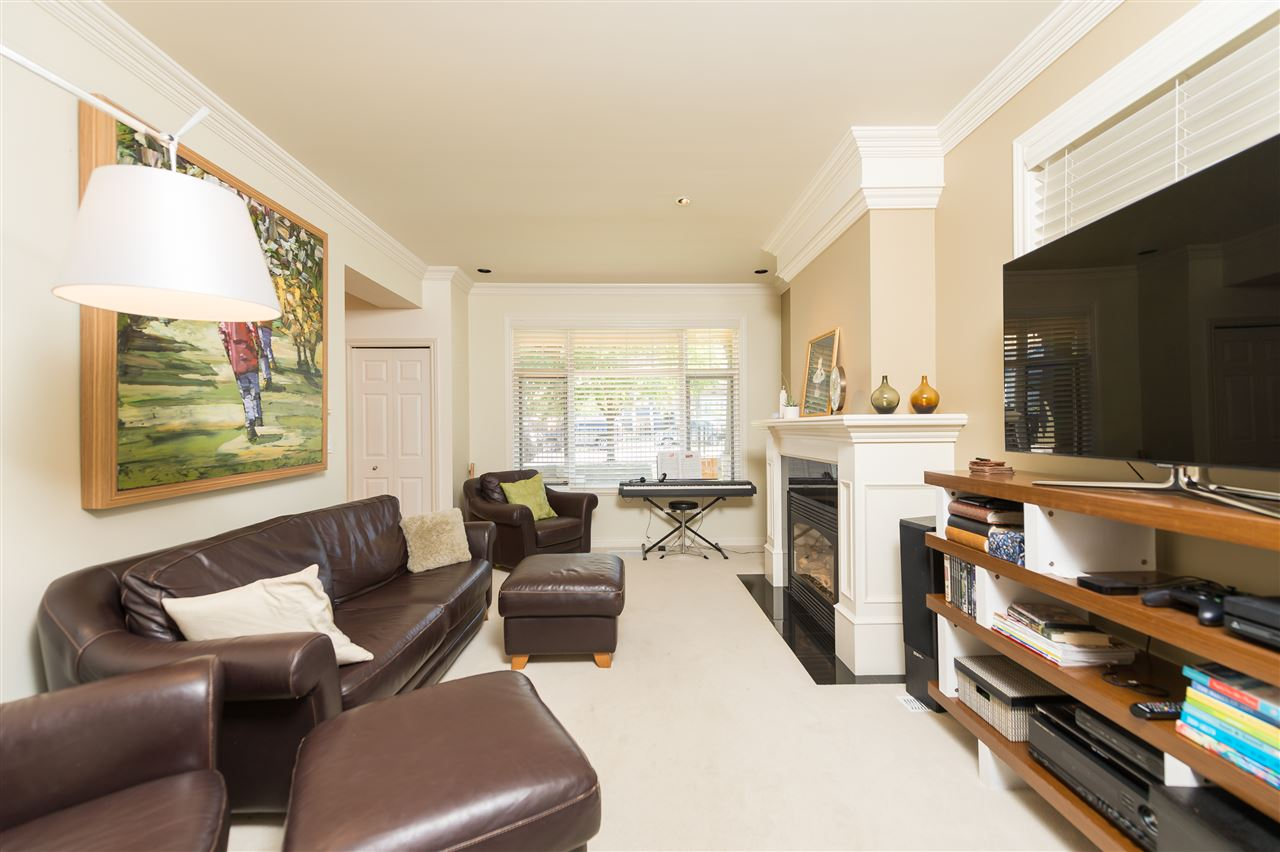 Photo 5: 4327 ALBERT Street in Burnaby: Vancouver Heights House 1/2 Duplex for sale (Burnaby North)  : MLS® # R2067622