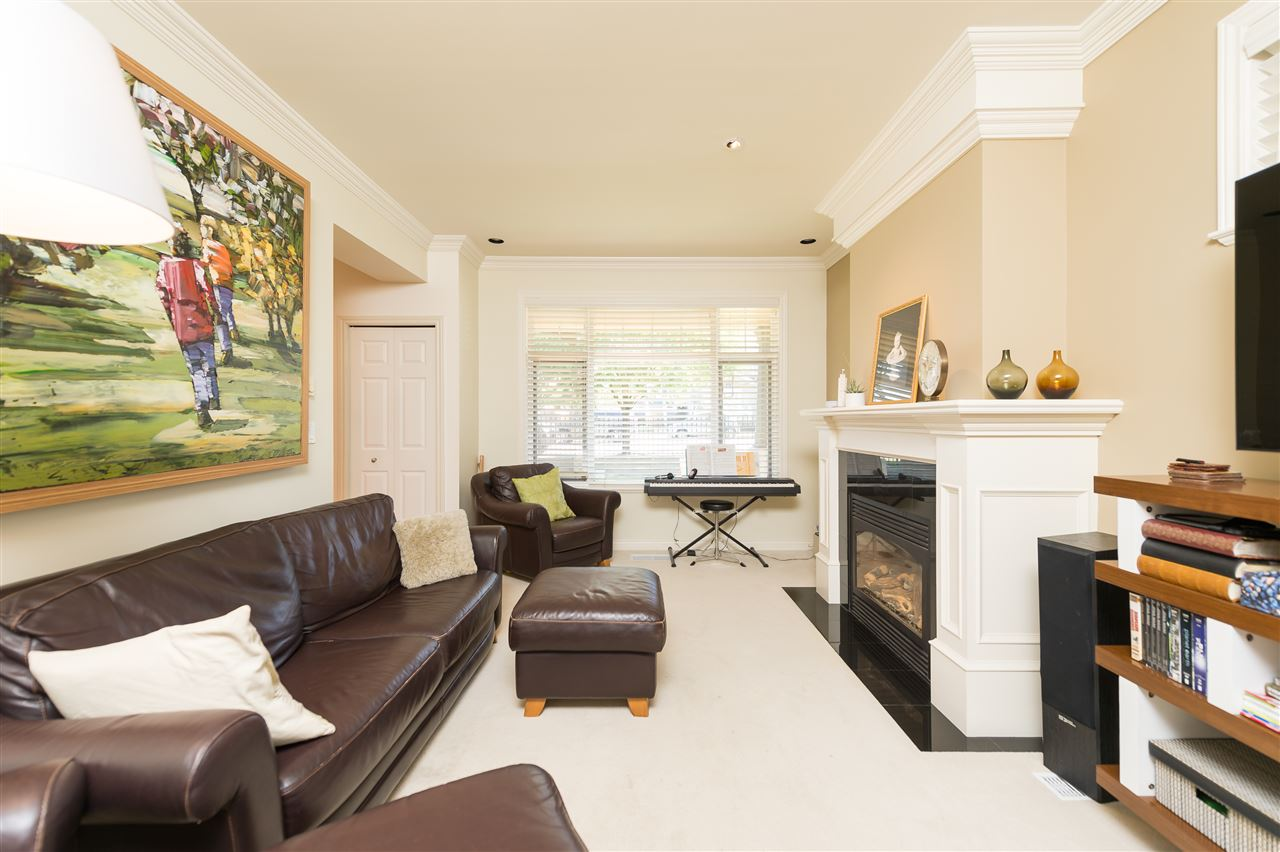 Photo 7: 4327 ALBERT Street in Burnaby: Vancouver Heights House 1/2 Duplex for sale (Burnaby North)  : MLS® # R2067622
