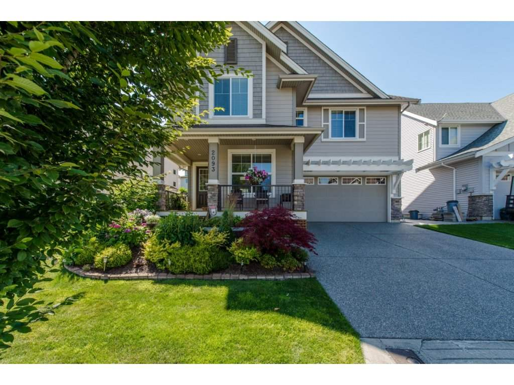 "Main Photo: 2093 ZINFANDEL Drive in Abbotsford: Aberdeen House for sale in ""Pepin Brook Estates"" : MLS® # R2085814"