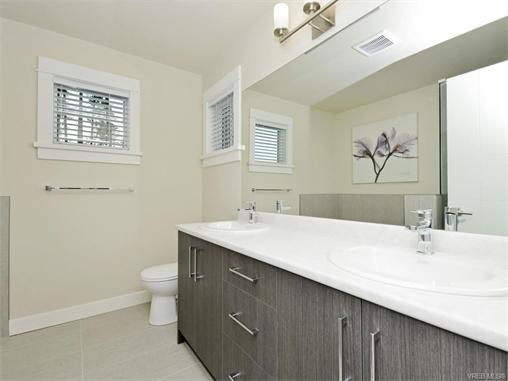 Photo 16: 2387 Lund Road in VICTORIA: VR Six Mile Single Family Detached for sale (View Royal)  : MLS® # 372341
