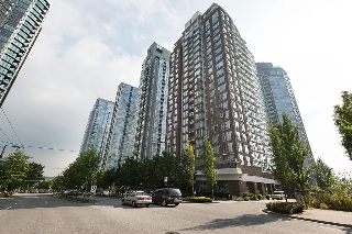 "Main Photo: 101 550 PACIFIC Street in Vancouver: Yaletown Condo for sale in ""AQUA AT THE PARK"" (Vancouver West)  : MLS(r) # R2135821"