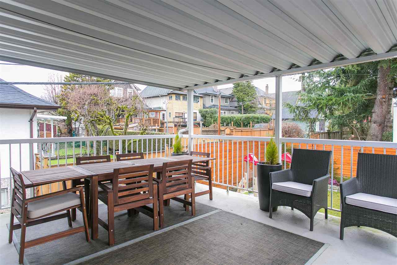 Photo 19: 2930 WOODLAND Drive in Vancouver: Grandview VE House for sale (Vancouver East)  : MLS® # R2140266