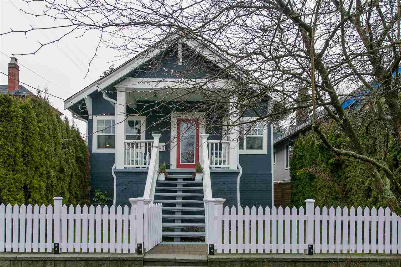 Main Photo: 2930 WOODLAND Drive in Vancouver: Grandview VE House for sale (Vancouver East)  : MLS®# R2140266