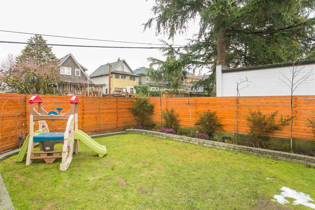 Photo 20: 2930 WOODLAND Drive in Vancouver: Grandview VE House for sale (Vancouver East)  : MLS® # R2140266
