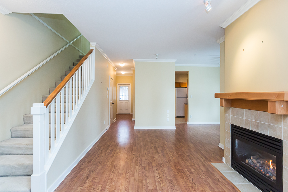 "Photo 5: 251 600 PARK Crescent in New Westminster: GlenBrooke North Townhouse for sale in ""THE ROYCROFT"" : MLS(r) # R2141871"