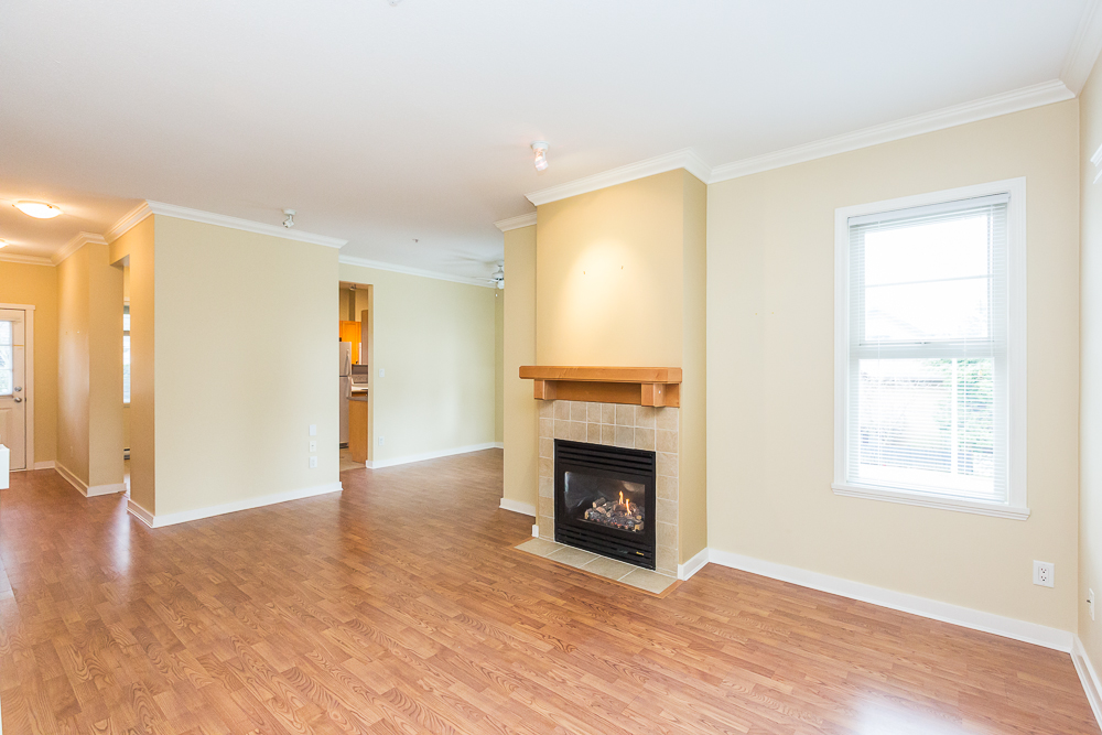 "Photo 3: 251 600 PARK Crescent in New Westminster: GlenBrooke North Townhouse for sale in ""THE ROYCROFT"" : MLS(r) # R2141871"