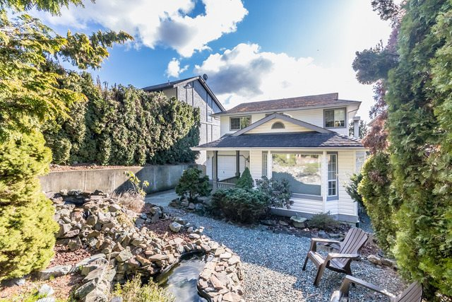 "Main Photo: 34982 GLENN MOUNTAIN Drive in Abbotsford: Abbotsford East House for sale in ""Glenn Mountain"" : MLS®# R2147630"