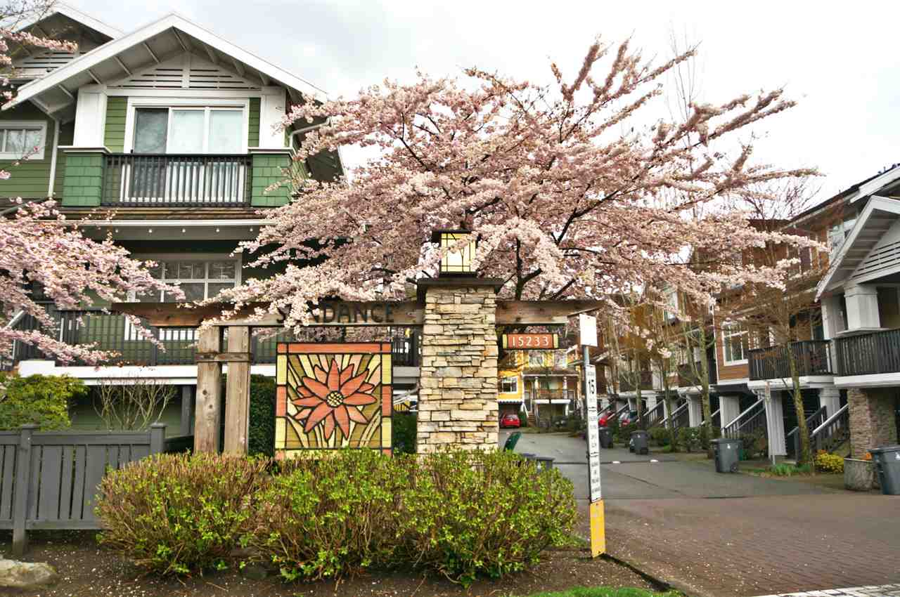 "Main Photo: 24 15233 34 Avenue in Surrey: Morgan Creek Townhouse for sale in ""SUNDANCE"" (South Surrey White Rock)  : MLS® # R2154609"