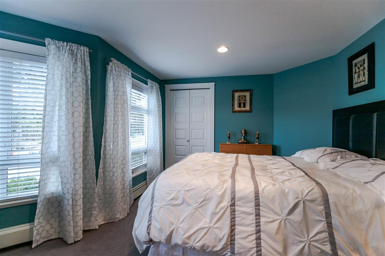 Photo 10: 225 E 17TH STREET in North Vancouver: Central Lonsdale Townhouse for sale : MLS® # R2156130